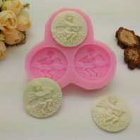 Three round angel coin silicone mold for fondant candy DIY cake decoration L621