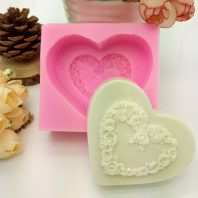 Heart flower wreath silicone mold for hand made soap and crafts L698